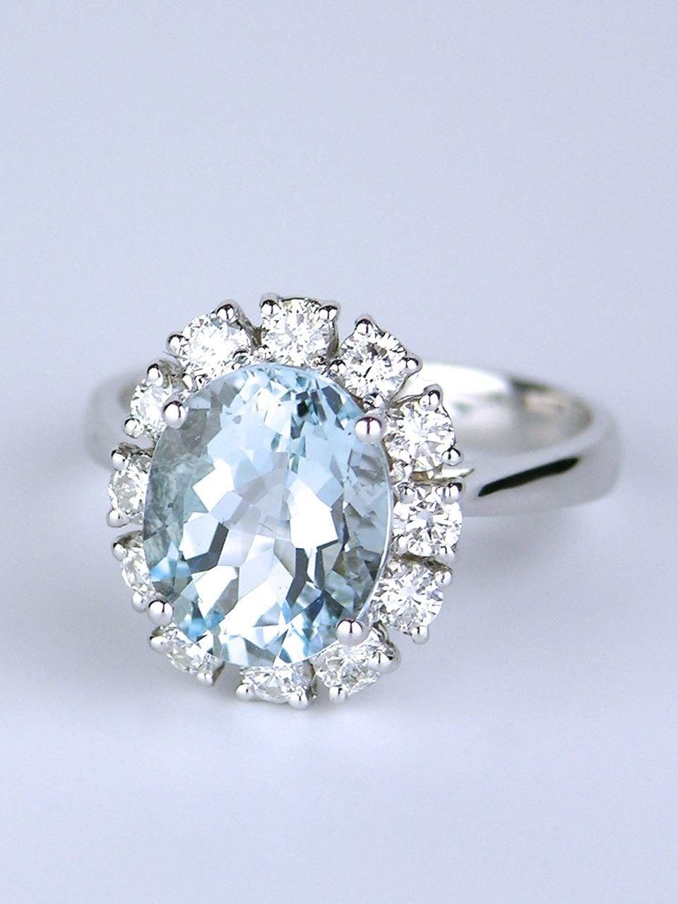 American oval aquamarine diamond Gold cluster ring 2