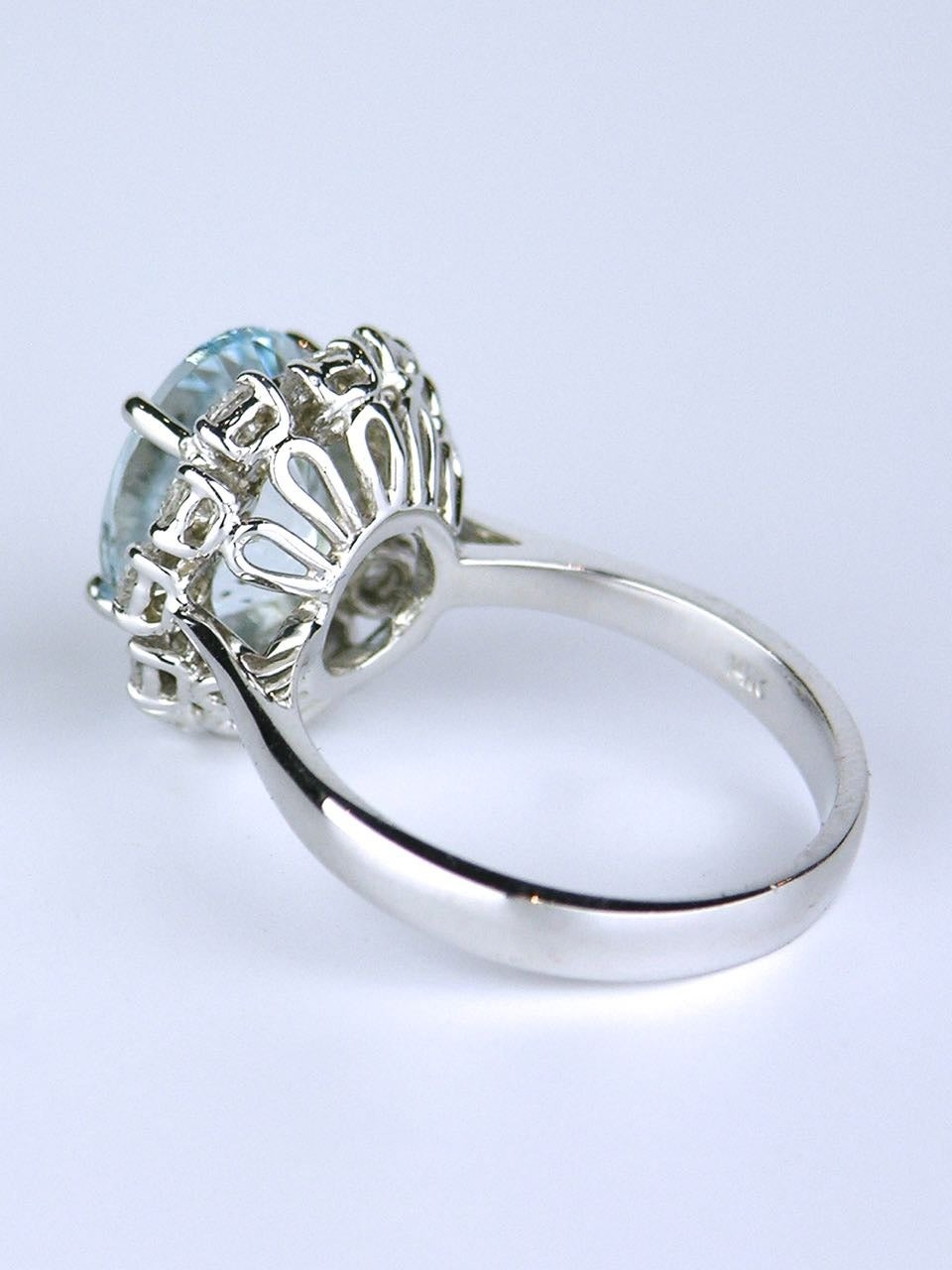 American oval aquamarine diamond Gold cluster ring 4