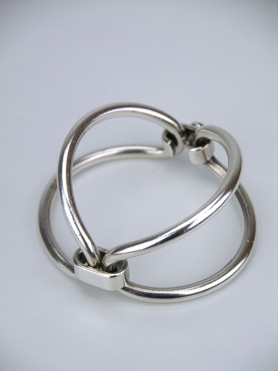 1960s Gucci Silver Double Loop Bracelet at 1stdibs