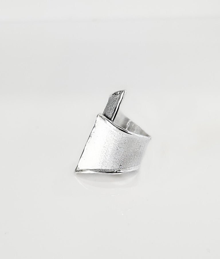Contemporary Yianni Creations Fine Silver and Oxidized Rhodium Geometric Two-Tone Ring For Sale