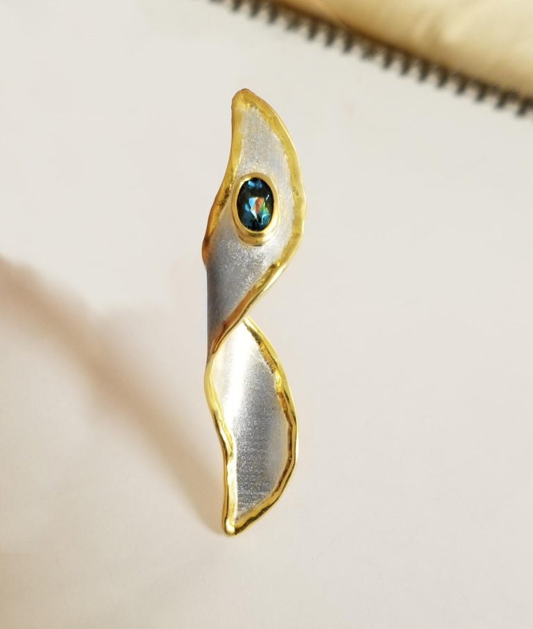 Yianni Creations 1.1 Carat Blue Topaz Fine Silver and 24 Karat Gold Pendant In New Condition For Sale In Astoria, NY