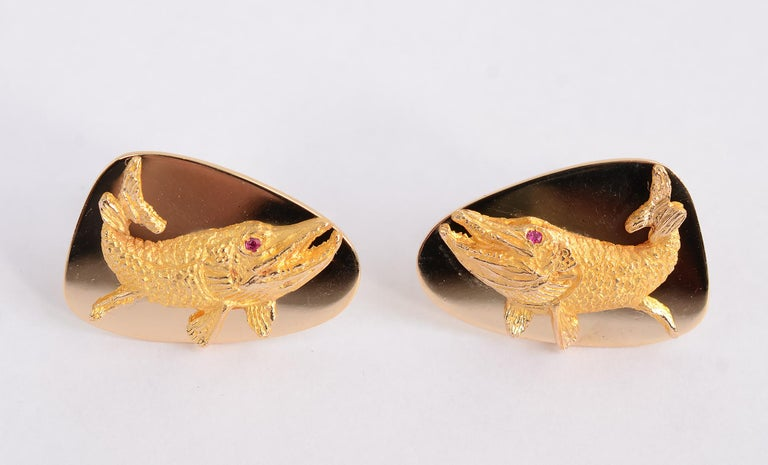 This is literally a whale of a set of Tiffany cufflinks. They measure 1 1/4