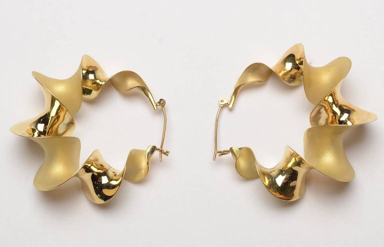 Michael Good Gold Twist Hoop Earrings In Excellent Condition For Darnestown Md