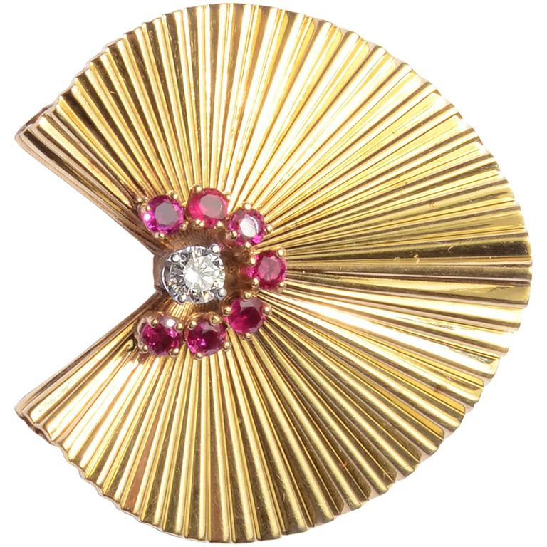 Retro Ruby Diamond Gold Brooch