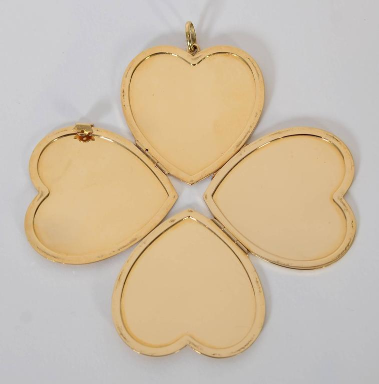 Retro Large Gold Heart Locket For Sale 1