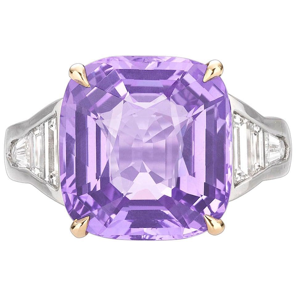 13.50-carat lavender sapphire ring, mid-2oth-century
