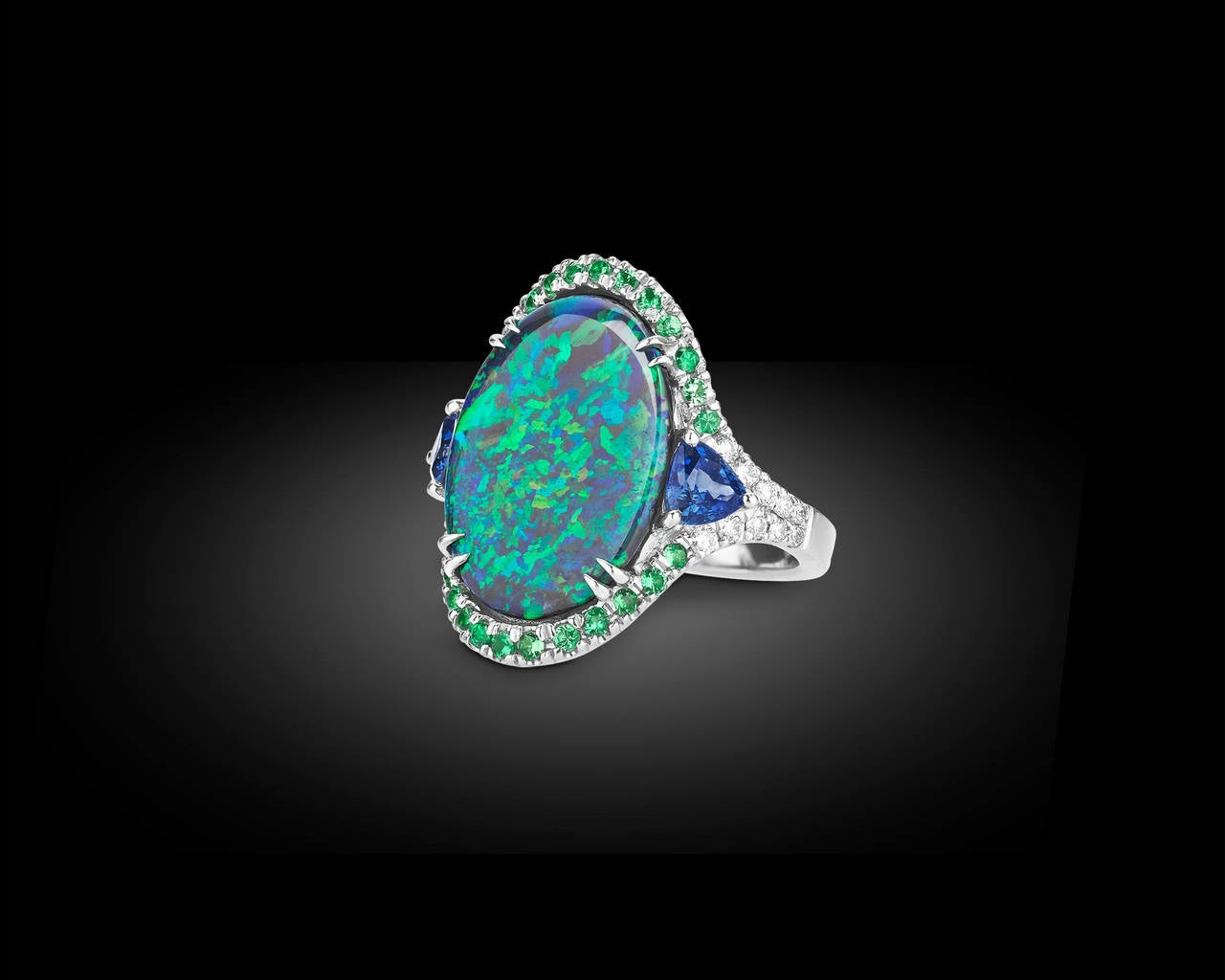 3.60 Carat Lightning Ridge Black Opal Ring In Excellent Condition For Sale In New Orleans, LA