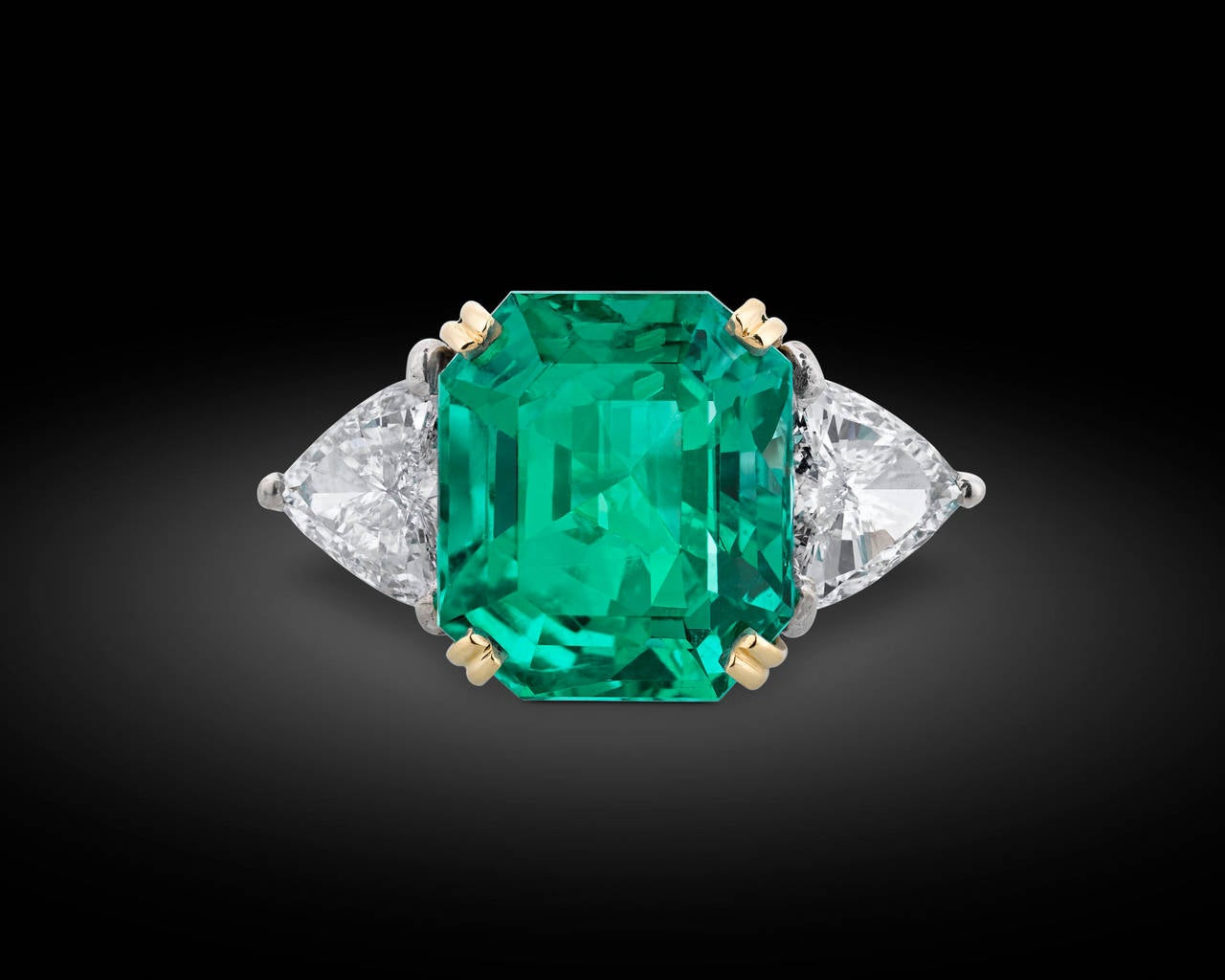 Colombian Emerald Diamond gold Cocktail Ring 2