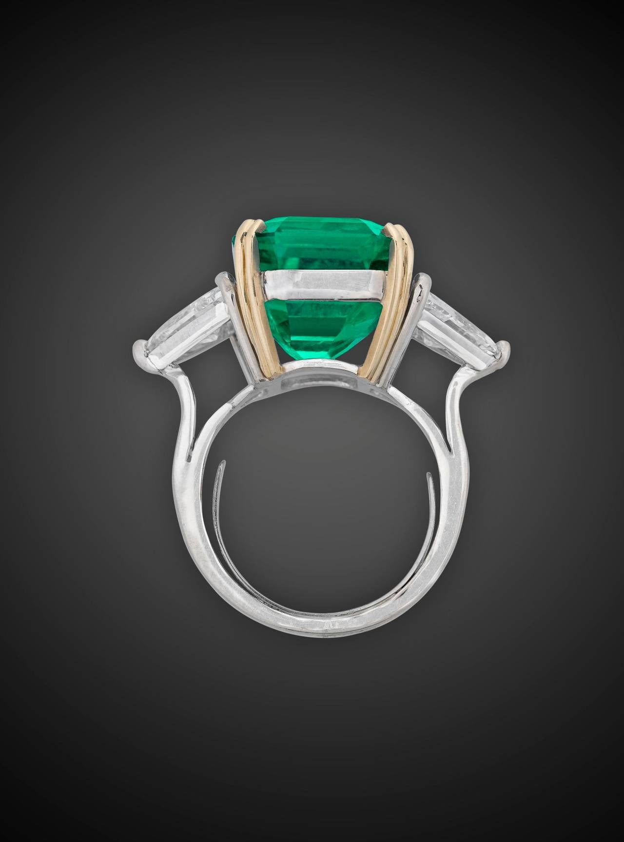 Colombian Emerald Diamond gold Cocktail Ring 4