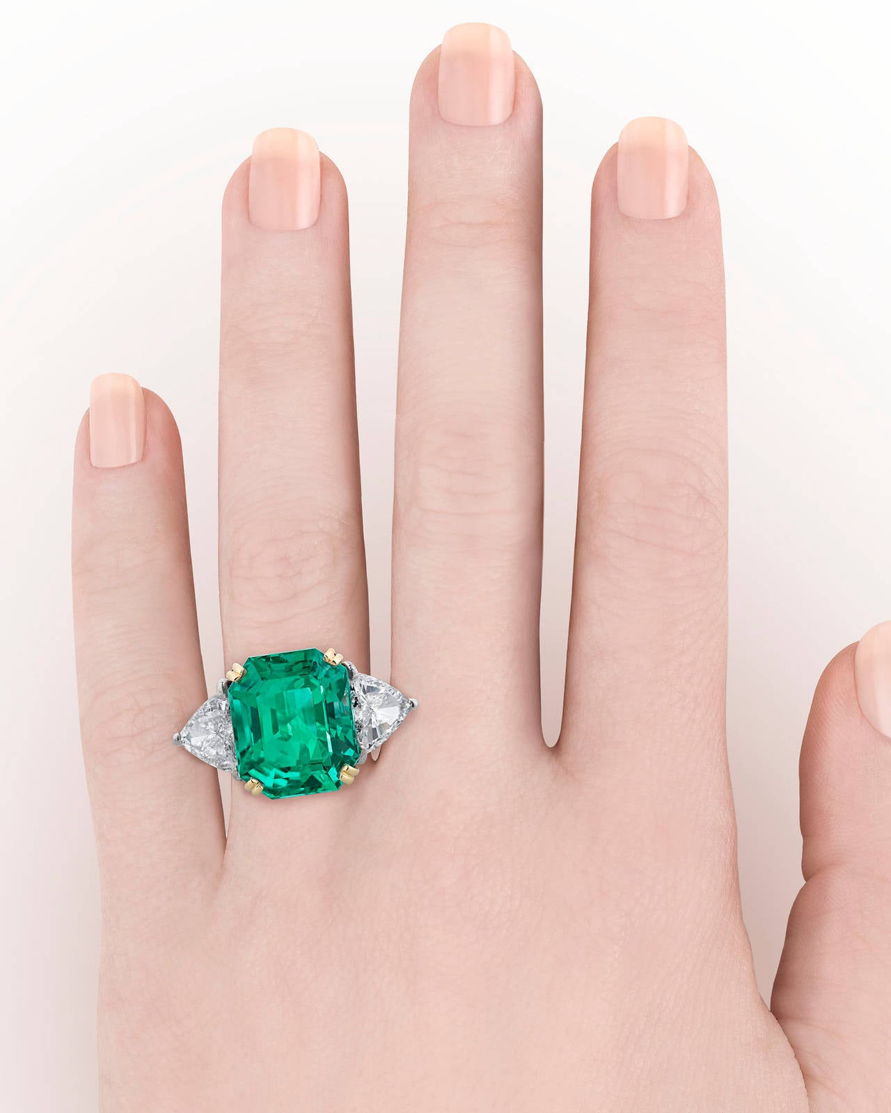 Colombian Emerald Diamond gold Cocktail Ring 5