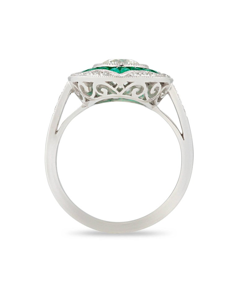 Geometric Circular Emerald Diamond Engagement Ring In Excellent Condition For Sale In New Orleans, LA