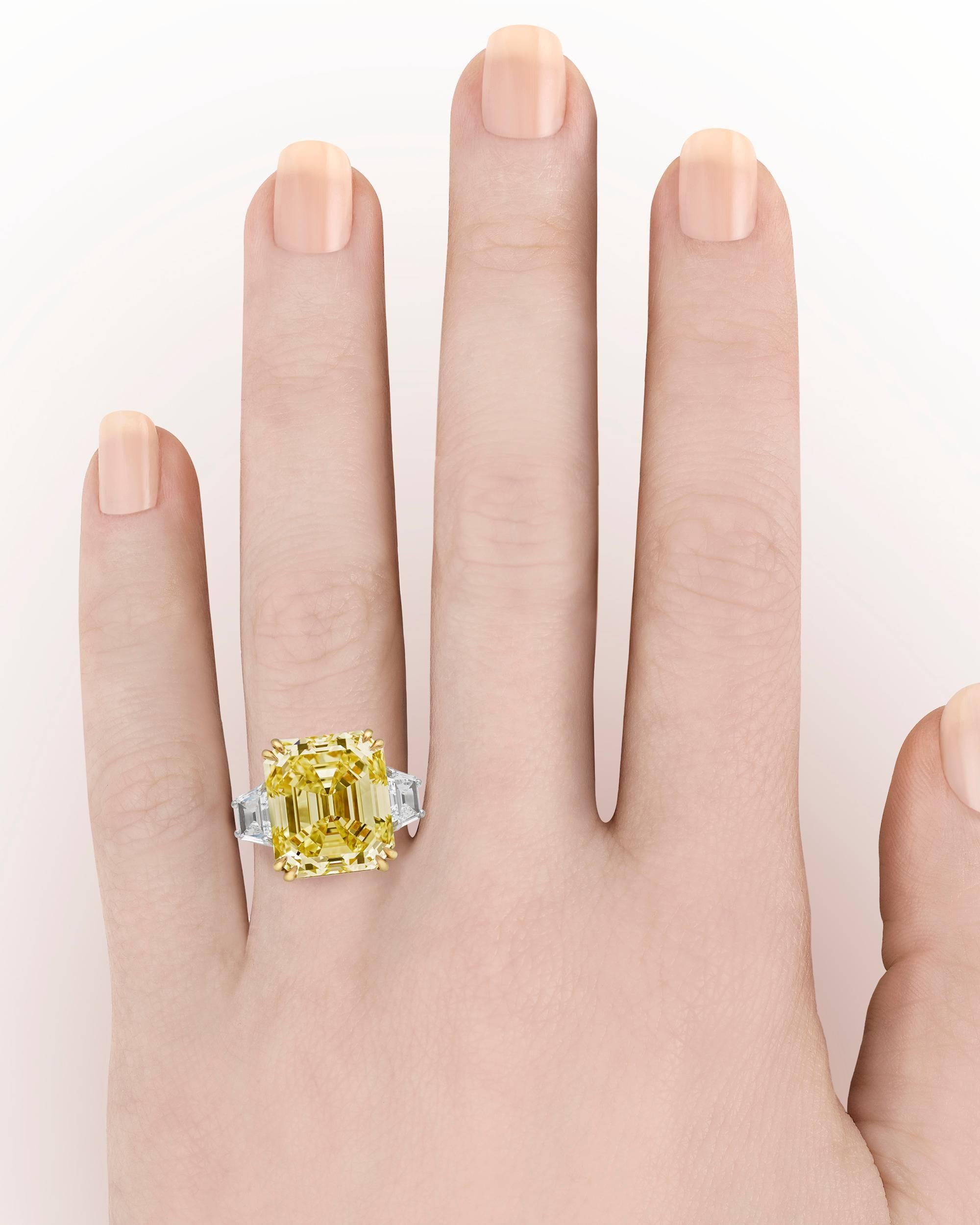 Fancy Yellow Diamond Ring, 16.57 Carat For Sale at 1stdibs