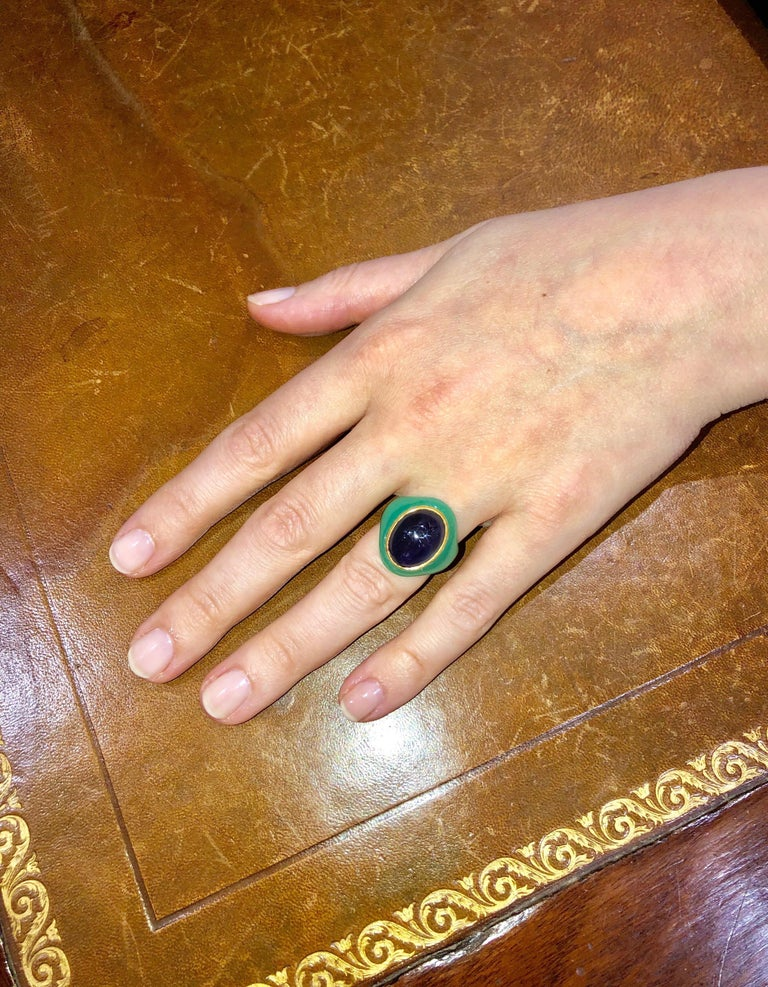 Scrives Amethyst Chrysoprase Green Chalcedony 22 karat Gold Cocktail Ring  For Sale 1