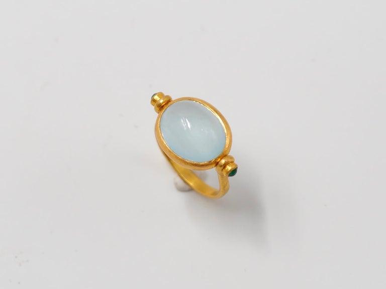Scrives Aquamarine Emerald Cabochon 22 Karat Gold Turning Ring For Sale 1