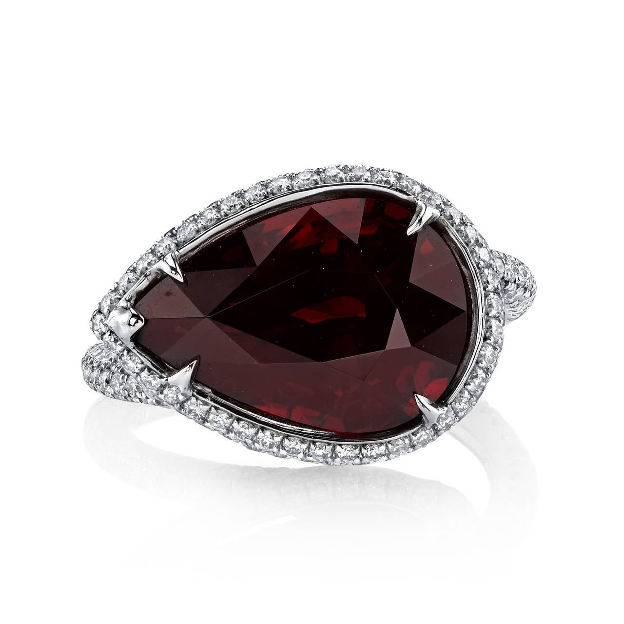 Garnet White Gold Pear Shaped Diamond Ring For Sale at 1stdibs