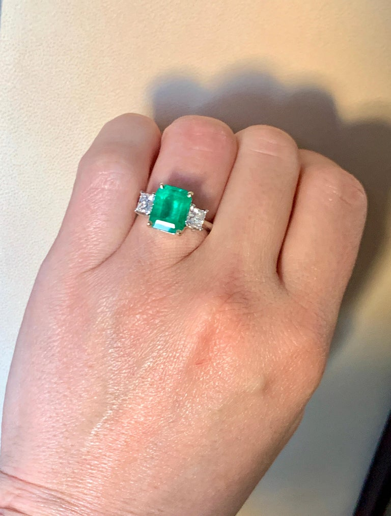 4.5 Carat Emerald Cut Colombian Emerald and 1.4 Carat Diamond 18 Karat Gold Ring 3