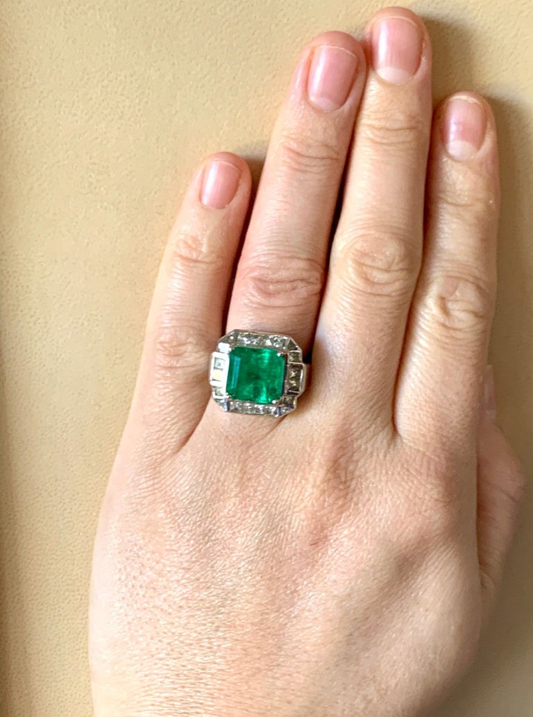 AGL Certified  Minor 9 Carat Emerald Cut Colombian Emerald and Diamond Ring  For Sale 7
