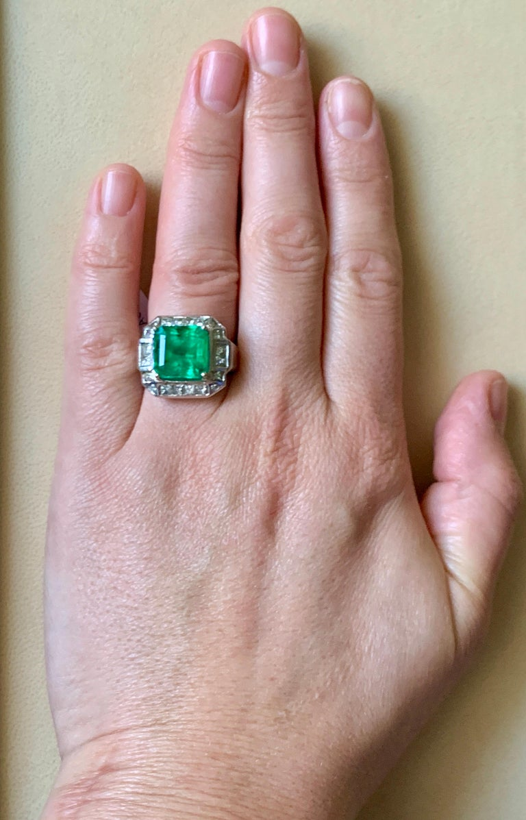 AGL Certified  Minor 9 Carat Emerald Cut Colombian Emerald and Diamond Ring  For Sale 8