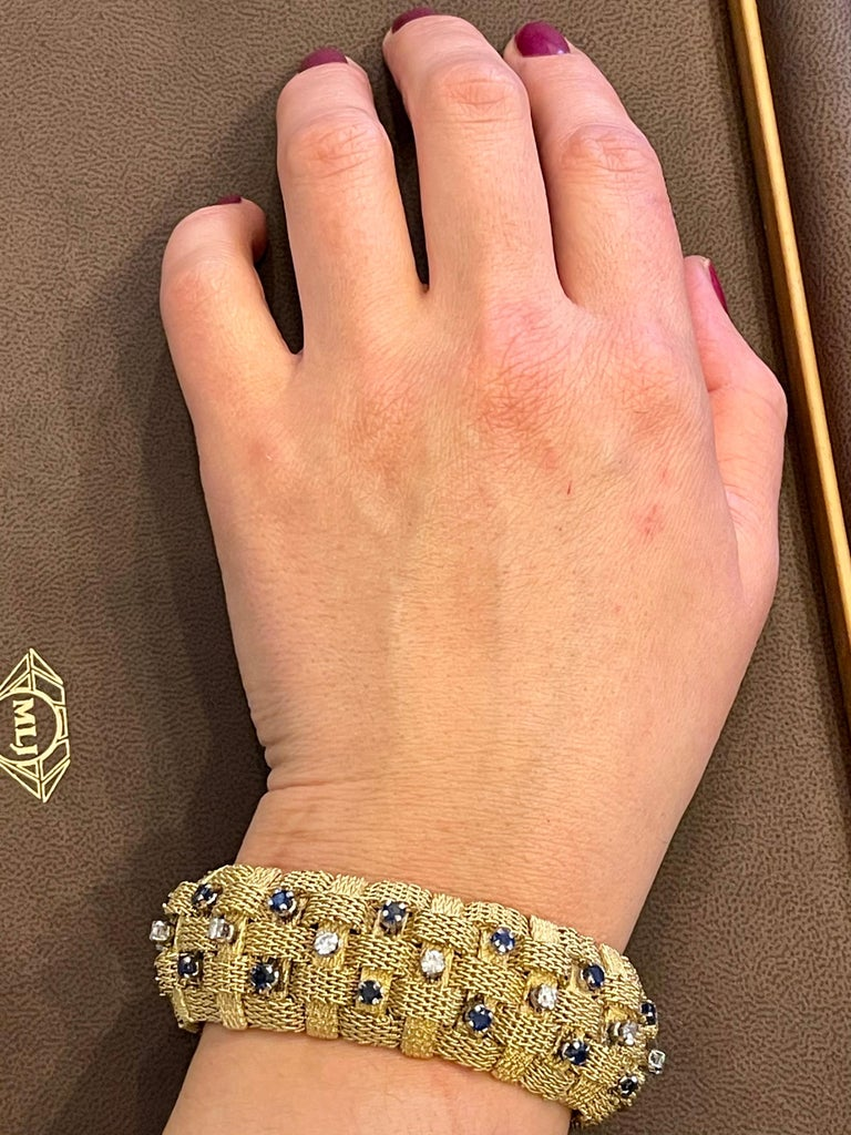 3 Carat Sapphire and 2 Carat Diamond Bracelet in 18 Karat Yellow Gold 116 Gm For Sale 8