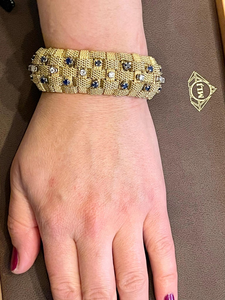 3 Carat Sapphire and 2 Carat Diamond Bracelet in 18 Karat Yellow Gold 116 Gm For Sale 9