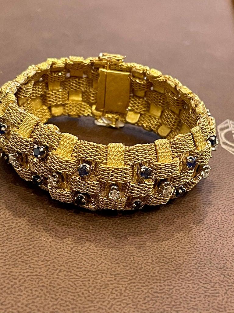 3 Carat Sapphire and 2 Carat Diamond Bracelet in 18 Karat Yellow Gold 116 Gm For Sale 14