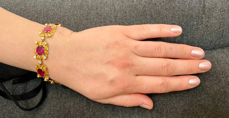 24 Carat Pink Tourmaline and 2.75 Carat Diamond Bracelet  18 Karat Yellow Gold For Sale 5