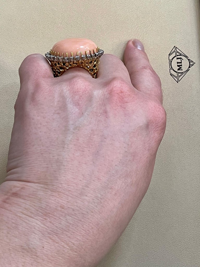 125 Carat Natural Pink Round Coral and Diamond Cocktail Ring 18 Karat Gold For Sale 11
