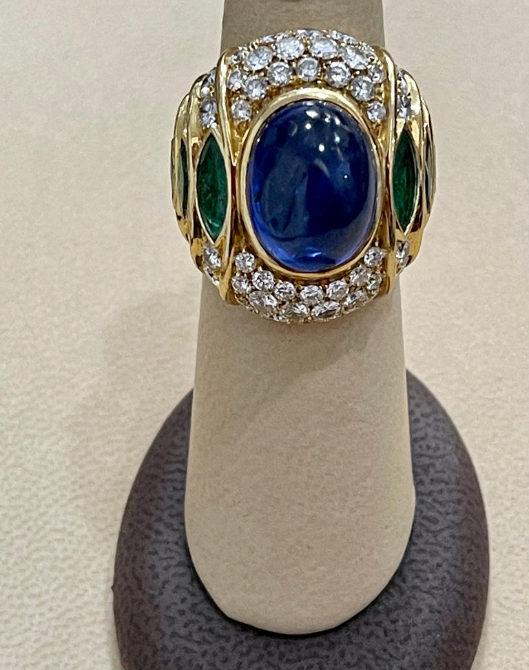 18 Carat Blue Sapphire Cabochon and Diamond 18 Karat Gold Ring For Sale 4