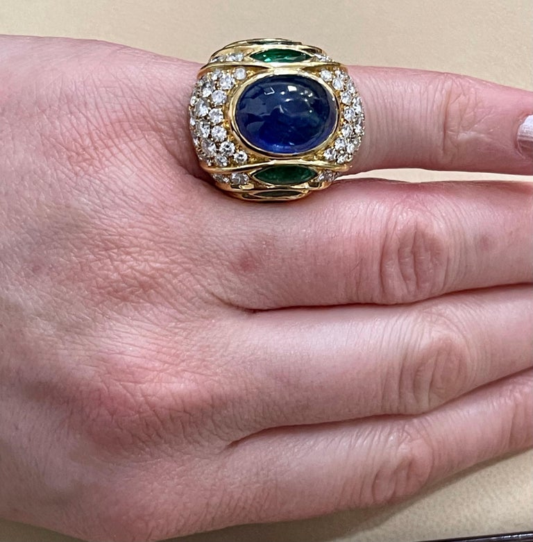 18 Carat Blue Sapphire Cabochon and Diamond 18 Karat Gold Ring For Sale 7