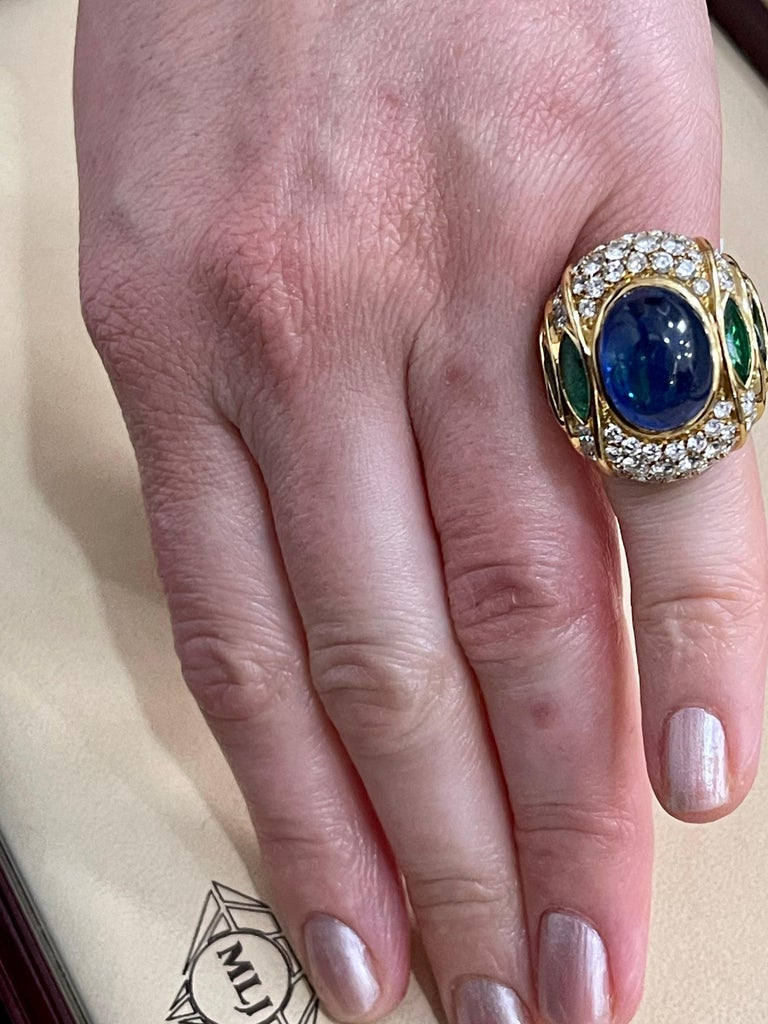 18 Carat Blue Sapphire Cabochon and Diamond 18 Karat Gold Ring For Sale 6