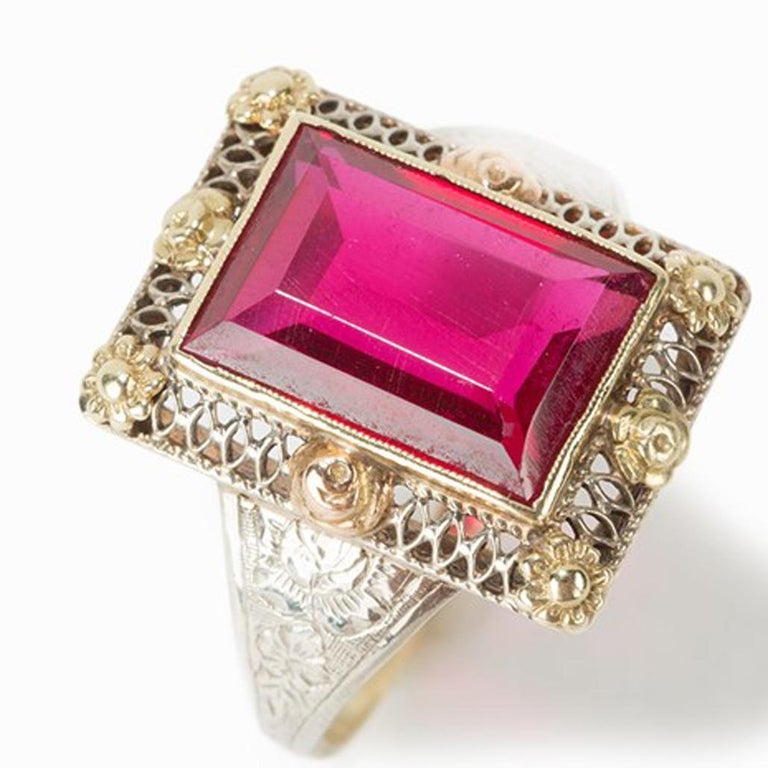 Art Deco Gold Ring with Baguette-Cut Spinel, 14 Carat, 1920s For Sale