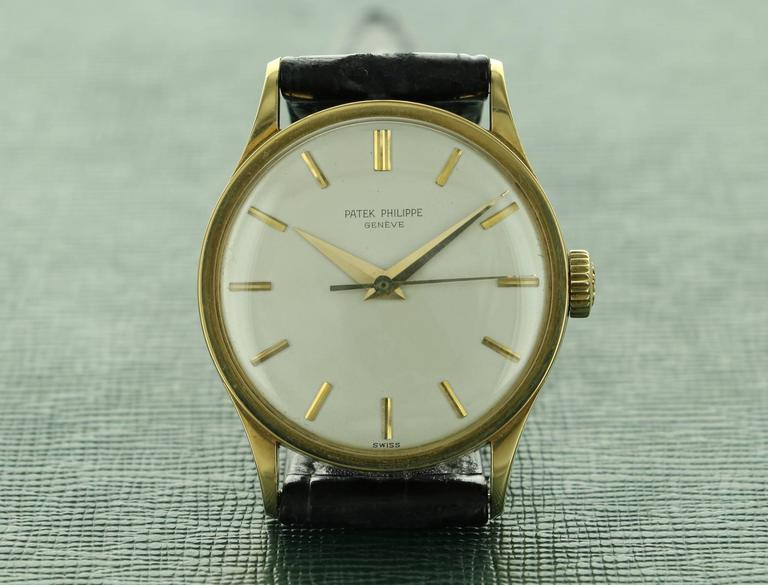 Patek Philippe Yellow Gold Calatrava  Wristwatch Ref 570 For Sale 2