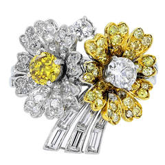 2.88 Carats Diamonds Gold Floral Motif Ring