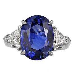 8.25 Carat Ceylon Sapphire Diamond Platinum Three-Stone Ring