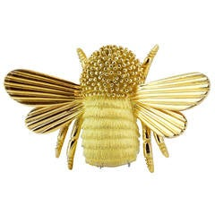 Gold Engraved Bee Brooch