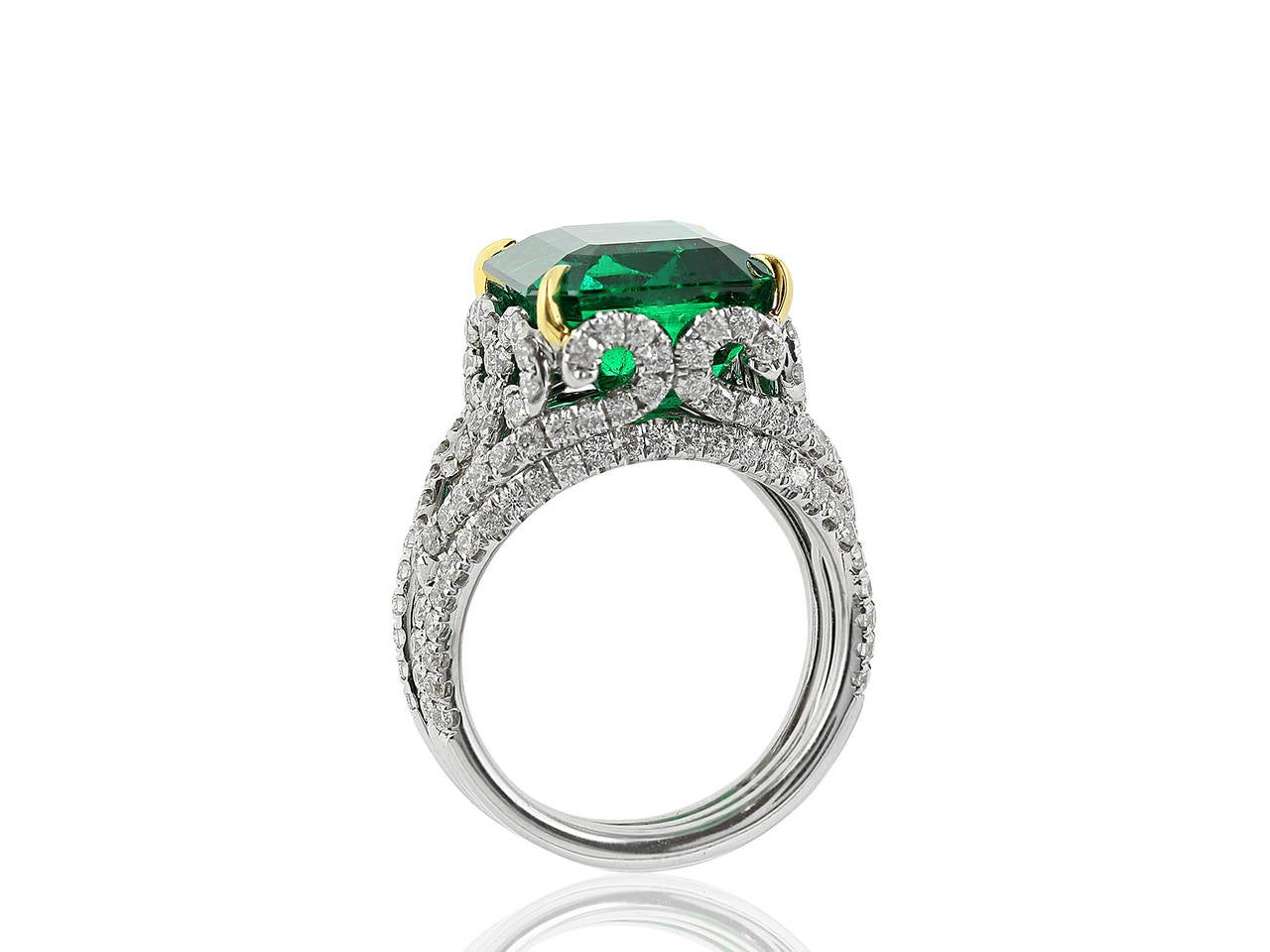 10 18 carat emerald two color gold ring for sale