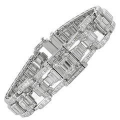 Art Deco 22.50 Carat Diamond Platinum Bracelet