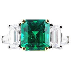 4.24 Carats Colombian Emeralds Diamond Platinum Ring