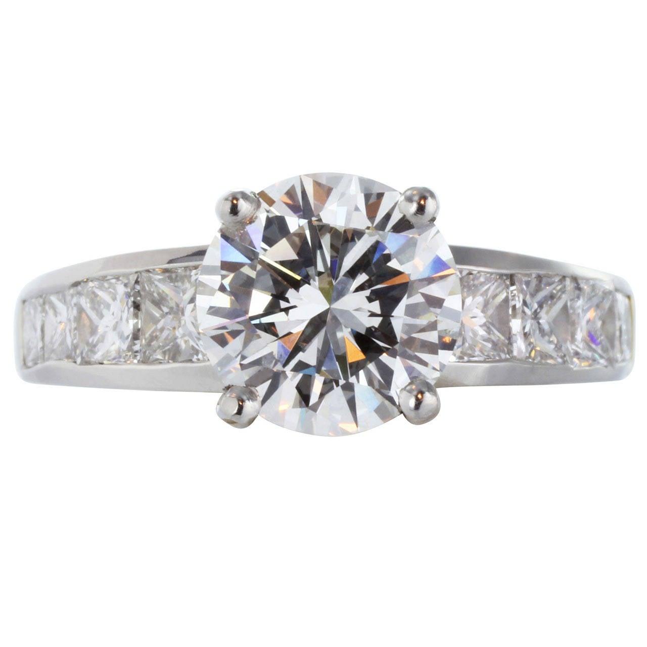 GIA Certified 2.26 Carat G VS2 Diamond Engagement Platinum Gold Ring