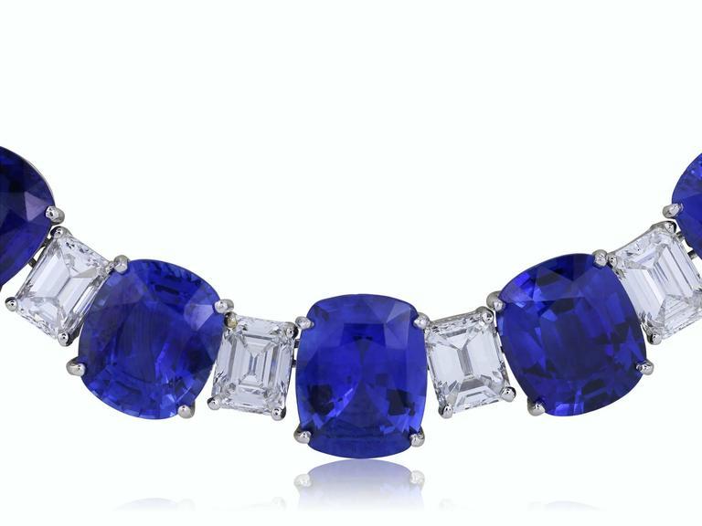 Women's or Men's 116.35 Carat Ceylon Sapphires 24.27 Carat Diamonds Flexible Platinum Necklace For Sale
