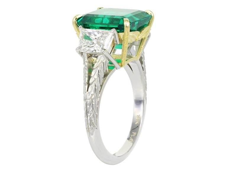 Emerald Cut 5.00 Carat Colombian Emerald Diamond Gold Platinum 3 Stone Ring For Sale