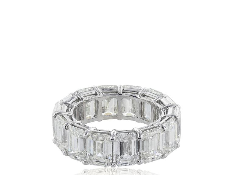 Modern 14.35 Carats Emerald Cut Diamonds Platinum Band Ring For Sale