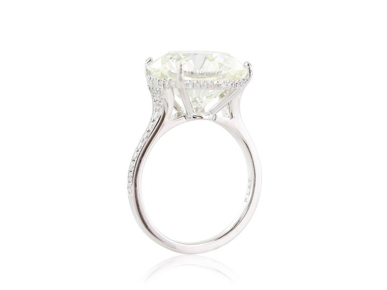 10.06 Carat GIA Cert Round Diamond Platinum Engagement  Ring In Excellent Condition For Sale In Chestnut Hill, MA