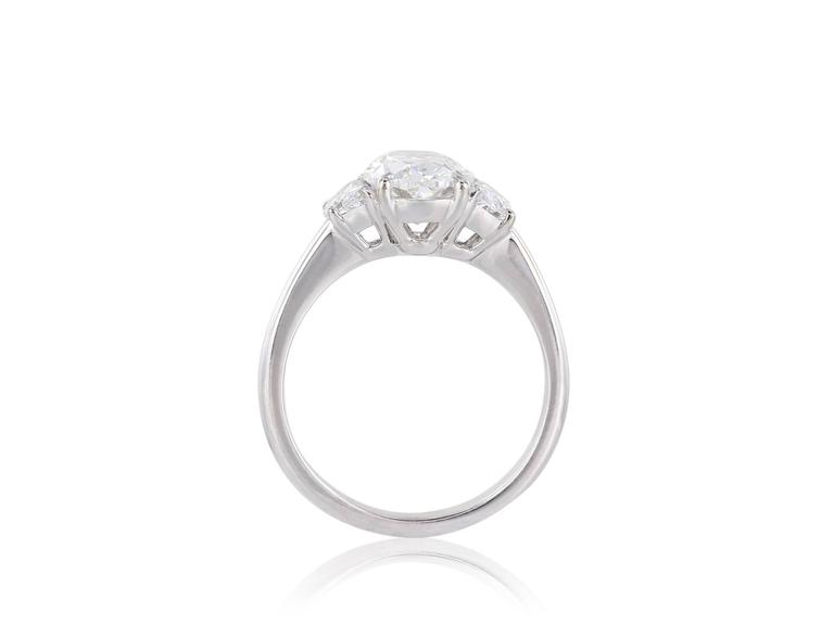 2.01 Carat G/SI2 GIA Oval Diamond Ring In Excellent Condition For Sale In Chestnut Hill, MA