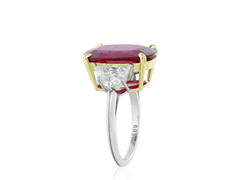 AGL Certified 10.24 Carat Thai Ruby Diamond Three Stone Ring In Excellent Condition For Sale In Chestnut Hill, MA