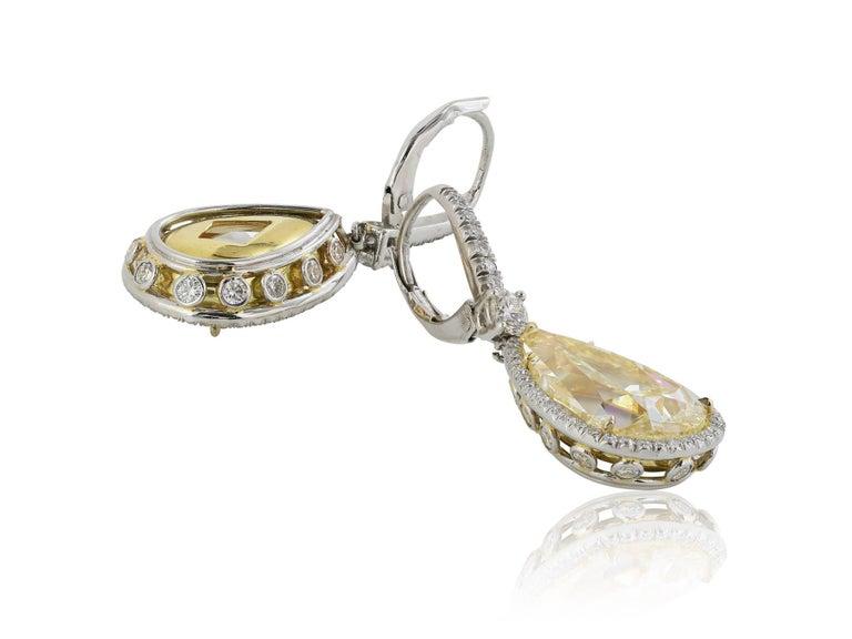 Modern 14.50 Carat Yellow Canary Pear Shape Diamond Drop Earring For Sale
