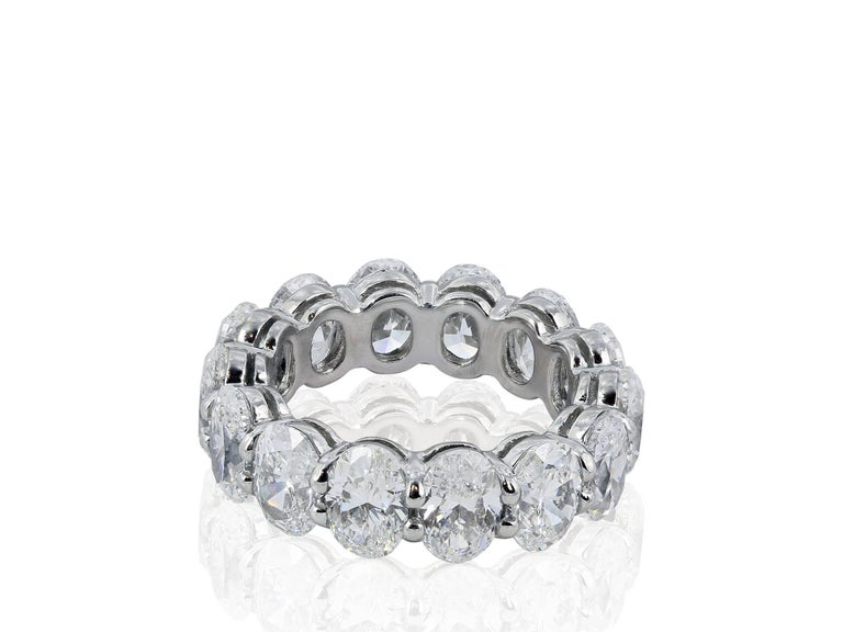 Oval Diamond Eternity Band Platinum In Excellent Condition For Sale In Chestnut Hill, MA