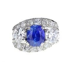 Exceptional Ceylon Sapphire Diamond Platinum Three Stone Ring