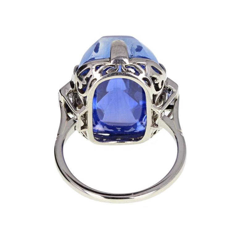 Women's or Men's Art Deco Sugarloaf Ceylon Sapphire Diamond Platinum Ring For Sale