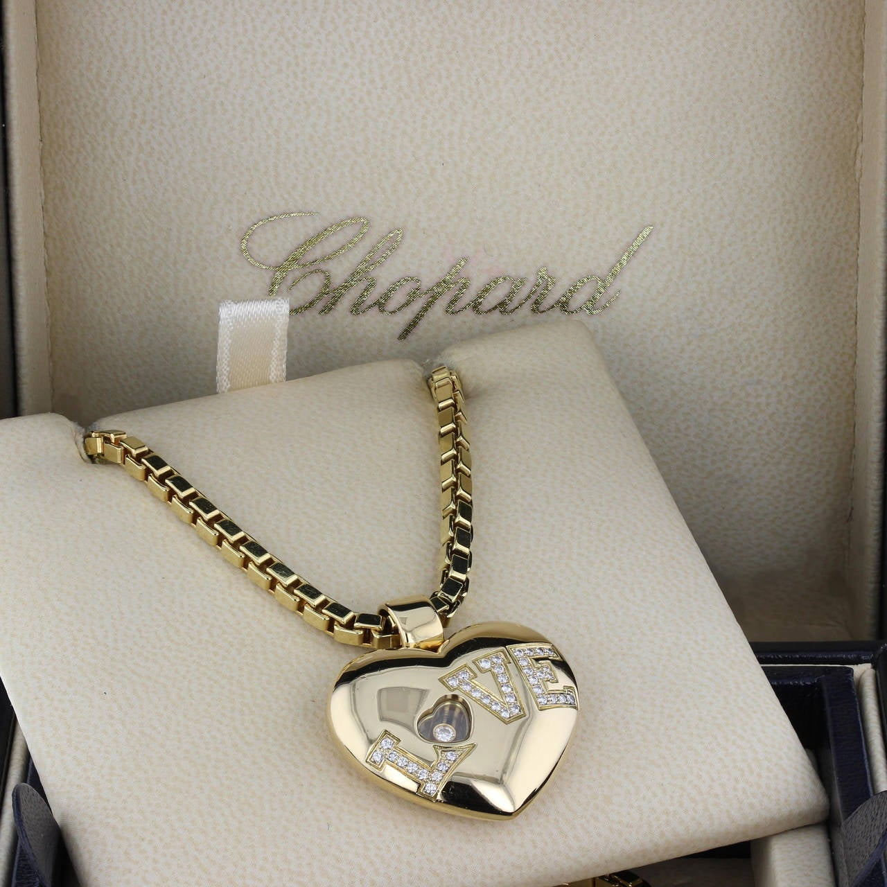 Chopard Happy Diamond Love Heart Necklace 2